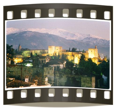 La Alhambra iluminada vista desde el Mirador de San Nicolás